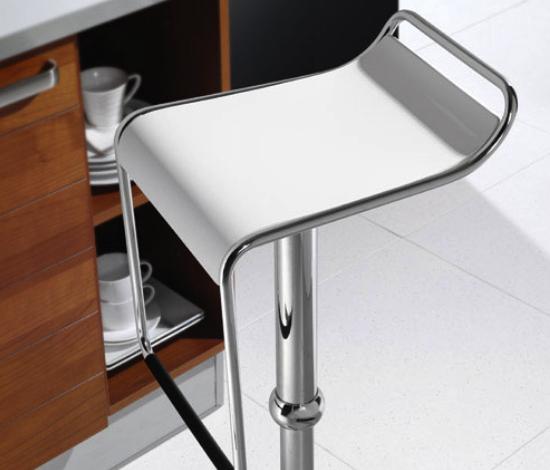 C Serie Bar Tresenhocker Zoom weiss