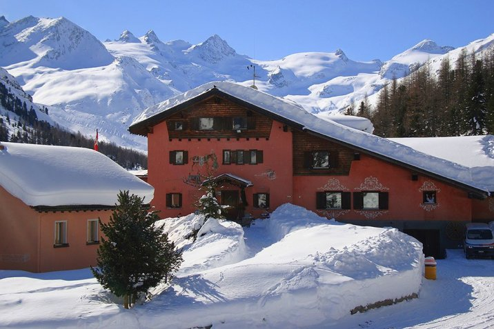 Roseg Gletcher in snow