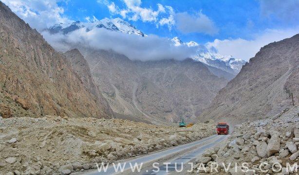 Karakoram Highway - Silk Road, China. www.stujarvis.com