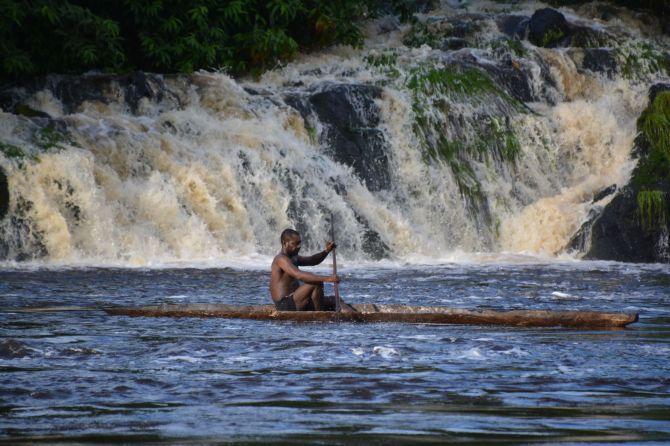 Canoe, Kongou Falls, Ivindo NP, Gabon