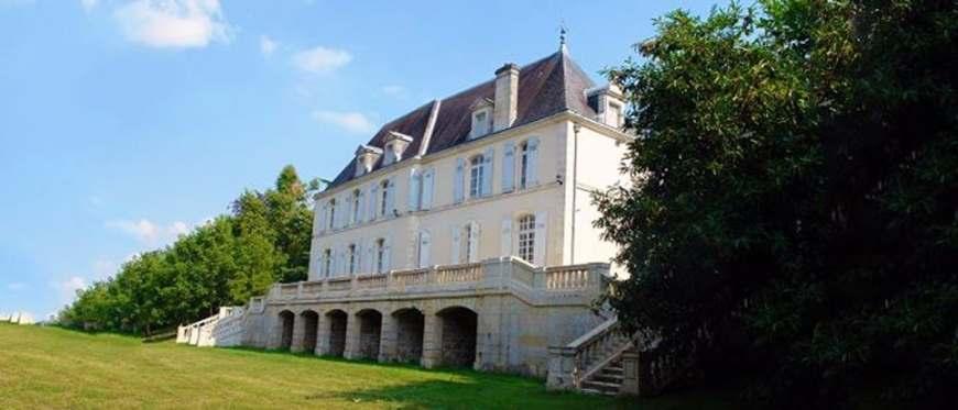 La Vue France - Chateau de la Mothe - stujarvis.com
