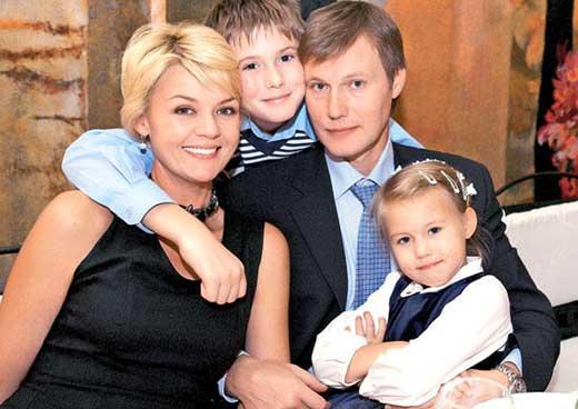 Юлия Меньшова - биография, информация, личная жизнь, фото ...