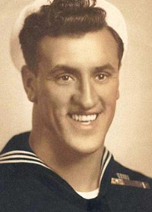 Джордж Мендоса в 1945 году