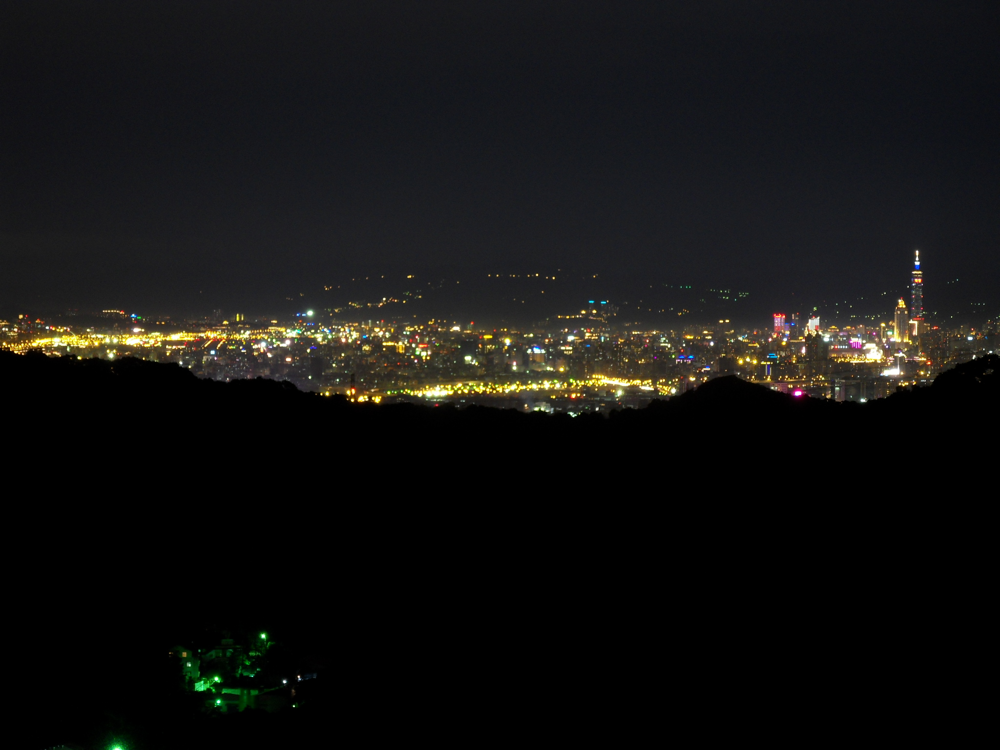 Taipei City Night View From Linkou District NUPS 從林口僑大看臺北市夜景   Kita We 我們