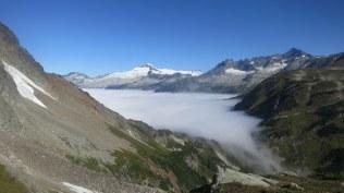El Dorado is highest peak on left, Sahale highest peak on right