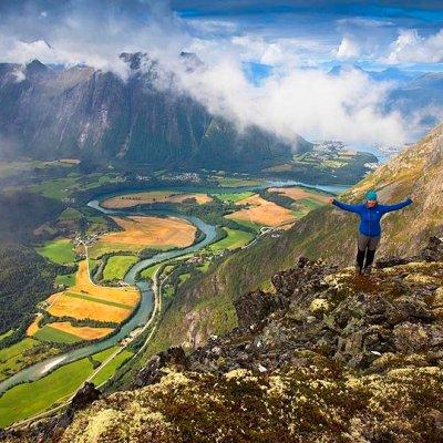 Hiking Romsdalseggen ridge in Norway
