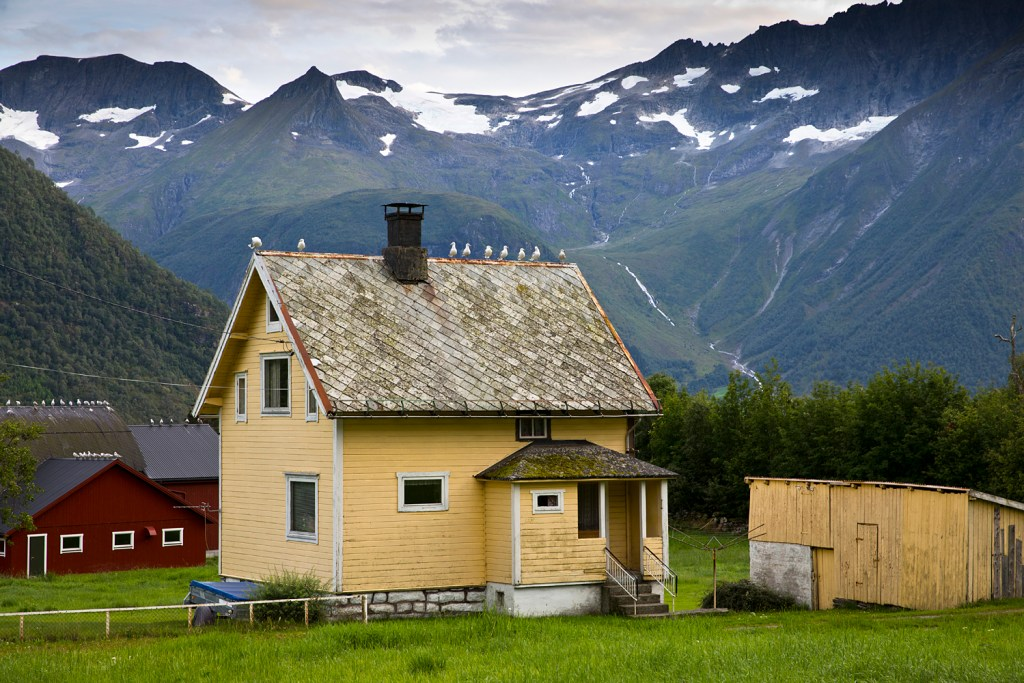 village Oye in Sunnmore Alps
