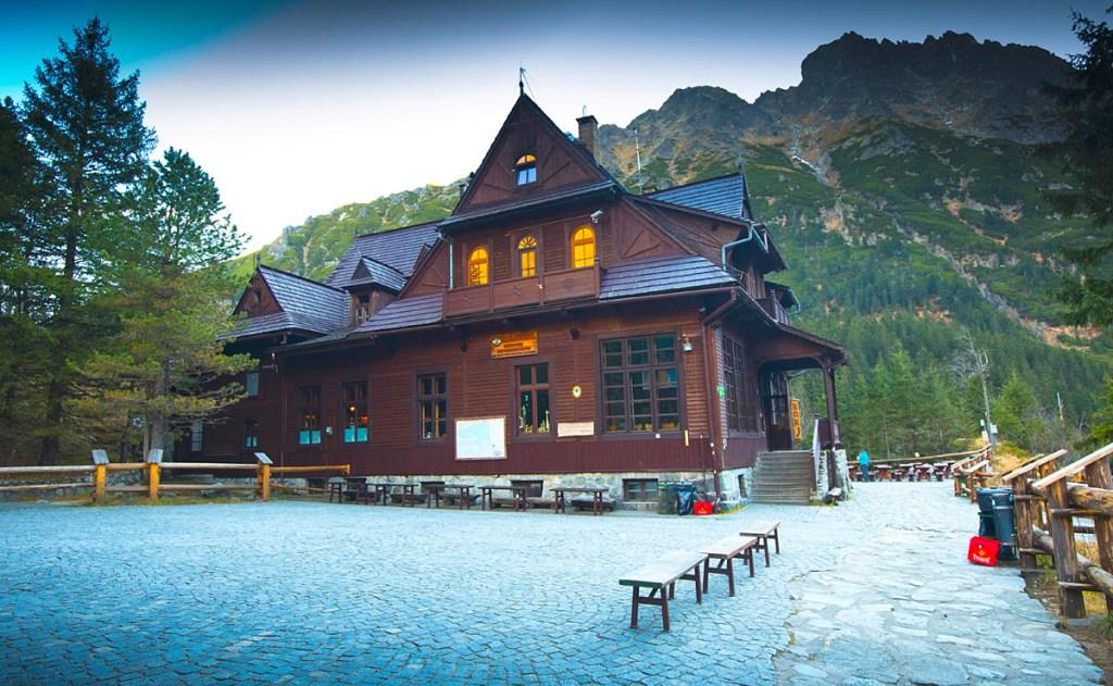 Morskie Oko mountain hut