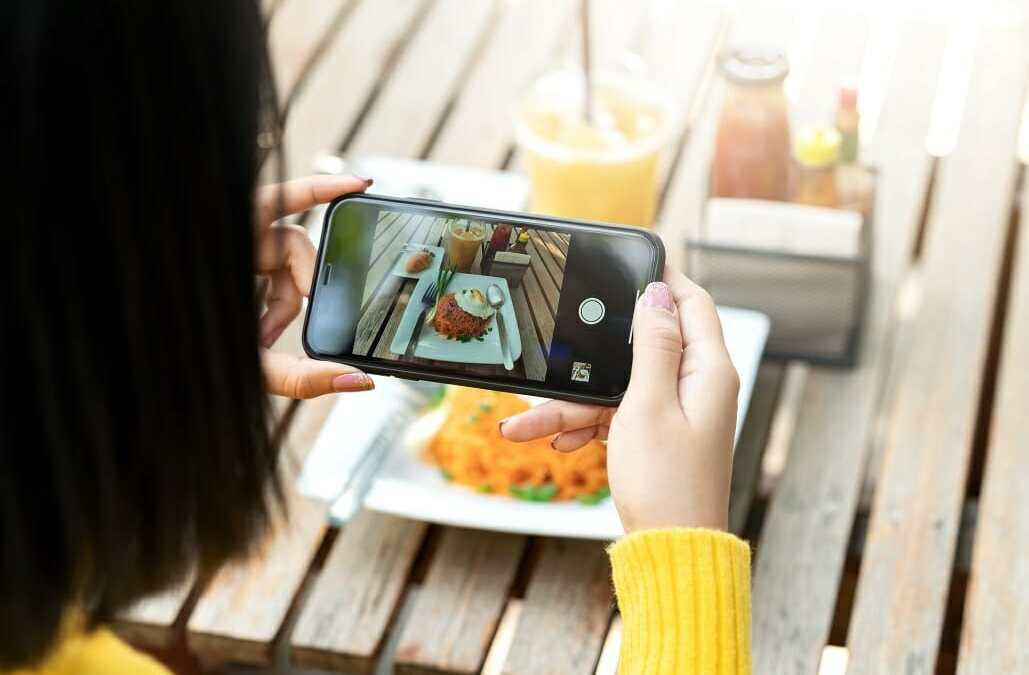 How Product Brands Can Use Instagram Stories to Create a Lifestyle Brand
