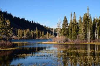 serene-lakes-mammoth