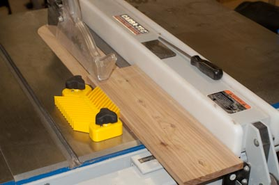 Universal Featherboard on the Tablesaw