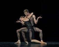 Dress rehearsal for the Gala: Alicia Amatriain and Marijn Rademaker in Two Pieces for HET (van Manen)