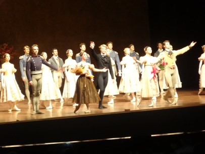 Another new cast of Onegin takes their bows after succesful debuts: Roman Novitzky, Elisa Badenes, Marijn Rademaker, Elisabeth Wisenberg, David Moore and Ensemble