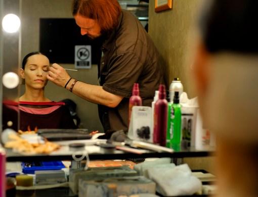 Uwe Wagner applying Miriam Kacerova's make up just bevor her debut in Onegin.
