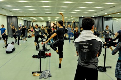 The dancers during training in the studio.