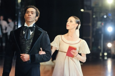 Anna Osadcenko and Jason Reilly as Tatiana and Onegin