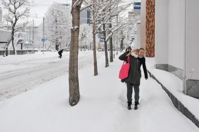 Alicia Amatriain and Angelina Zuccarini on their way to class
