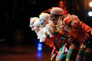 Especially the children in the audience enjoyed the clowns in the second act: Fabio Adorisio, Katarzyna Kozielska, Paula Rezende, Roger Cuadrado