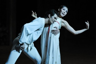 A wonderful new couple: Hyo-Jung Kang as Juliet and Constantine Allen as Romeo