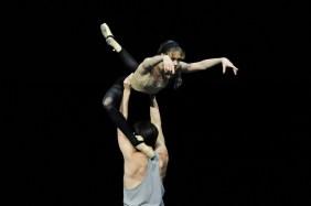Alicia Amatriain, Fabio Adorisio, stage rehearsal of Katarzyna Kozieska's Dark Glow