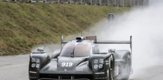 Abu Dhabi first 2015 Porsche 919 Hybrid test: The 2015 edition of the 919 Hybrid seen here testing on the track to kick off the WEC season. Credit: PMNA