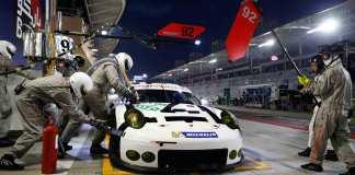 Porsche 2015 Bahrain GT qualifying: No 92 in 2015 Bahrain pits. Credit: Porsche AG