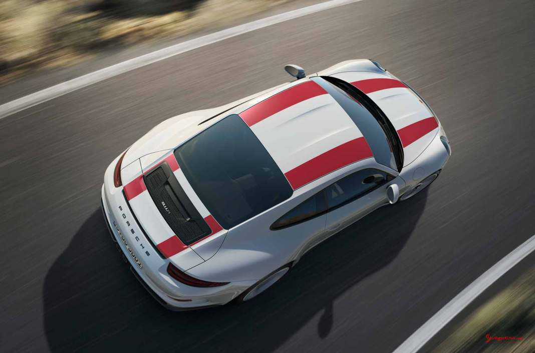 Porsche 911 R wolf in sheep's clothing: New 2016 Porsche 911 R: 2016 911 R, overhead view. Credit: Porsche AG