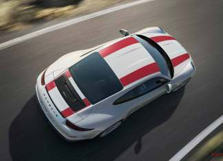 Porsche 911 R wolf in sheep's clothing: New 2016 Porsche 911 R: 2016 911 R, overhead view. Credit: Porsche AG