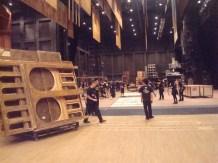 """Japan Gastspiel, """"Der Widerspenstigen Zähmung"""": ... und sofort wird abgebaut, die Reise geht weiter nach Otsu, Foto: Stuttgarter Ballett"""