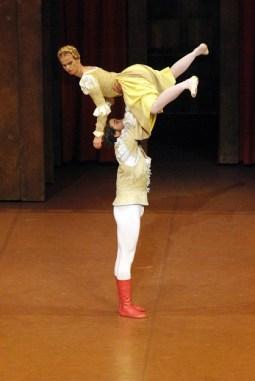 """Japan Gastspiel, """"Der Widerspenstigen Zähmung"""": Katja Wünsche (Katharina) und Jason Reilly (Petrucchio), Foto: Stuttgarter Ballett"""
