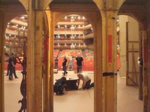 """Japan Gastspiel, Die Bühne für """"Der Widerspenstigen Zähmung"""" wird eingerichtet, Foto: Stuttgarter Ballett"""
