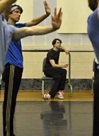 """China-Gastspiel, Ein wenig Zeit bleibt auch Louis Stiens für die Probenarbeit zu """"Dancer in the Dark"""", Foto: Roman Novitzky"""