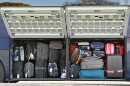 Der Bus ist gepackt und bereit zur Abfahrt.
