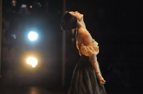 Eine der berühmtesten Ballettposen: Tatjana am Ende von Onegin.