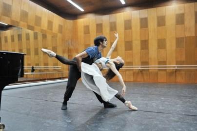 Letzte Proben in Tokio vor ihren Cebüts in Sapporo: Miriam Kacerova und Constantine Allen