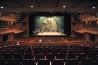 Bühnenprobe vor der Vorstellung im Hyogo Performing Arts Center