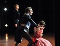 Onegin, 3. Akt: Elisa Badenes als Tatjana mit Roman Novitzky als Fürst Gremin und Friedemann Vogel als Onegin