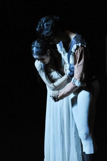 Verbeugung vorm Publikum in Beijing: Constantine Allen als Romeo un Hyo-Jung Kang als Julia