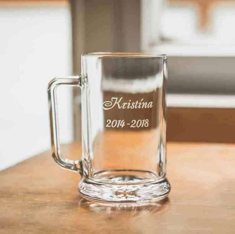 pohár na stužkovú ak si maturanti pripijú s pivom