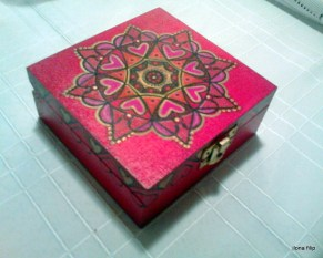 pudełko ręcznie malowane, drewniane, cena 40 zł