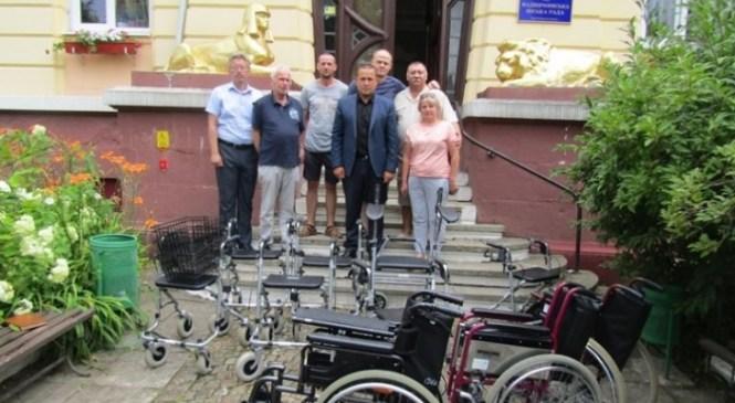 Надвірна отримала гуманітарну допомогу для людей з обмеженими фізичними можливостями з Німеччини