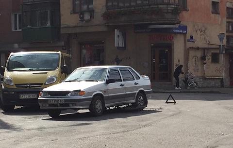 Франківська поліція порадила свідкам ДТП звертатись до американських копів