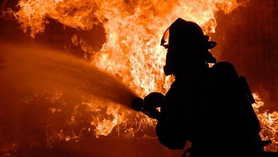 В Долинському районі вогонь забрав життя людини