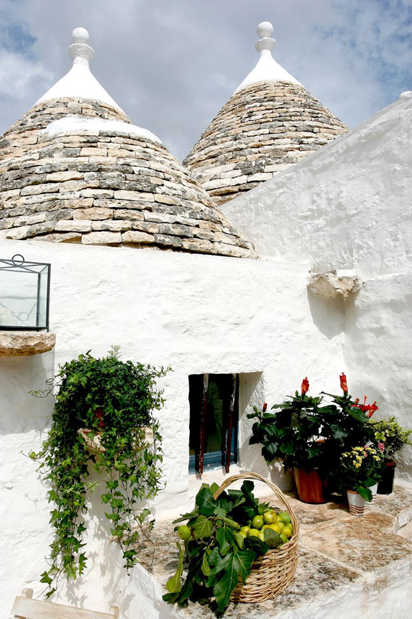 https://i1.wp.com/style-files.com/wp-content/uploads/2015/06/trulli1.jpg