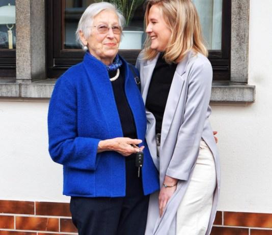 ältere und junge Frau