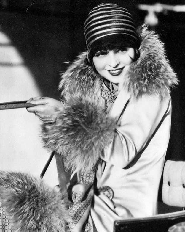 CLARA BOW 1927