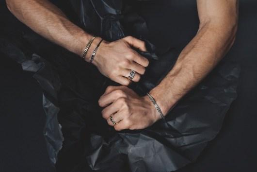 Wie Männer Ringe tragen