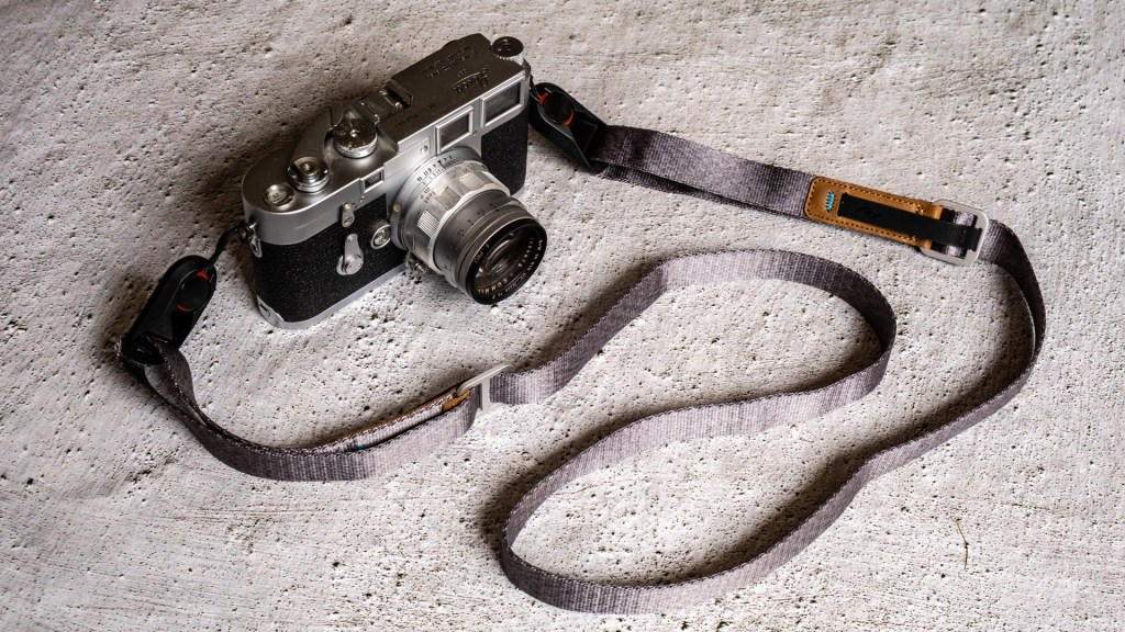 Leica M3 DS with Peak Design anchors and Leash strap