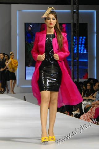 Fashion Designer Mohsin Ali's Dresses For Women in PFDC Sunsilk Fashion Week 2011 Lahore (9)
