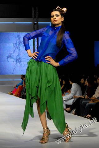 Fashion Designer Mohsin Ali's Dresses For Women in PFDC Sunsilk Fashion Week 2011 Lahore (4)